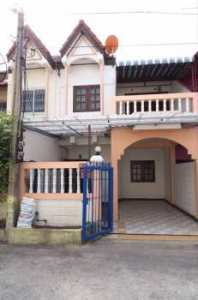 ขายทาวน์เฮ้าส์ 2 ชั้น 18 ตร.ว ท่าศาลา เมืองลพบุรี 2 ห้องนอน โทร 081-5713517